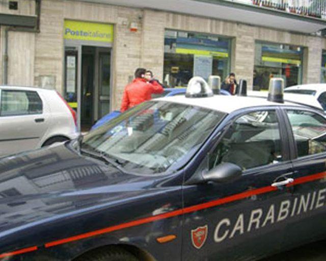 Marigliano, assalto alle Poste: banditi cambiano vestiti e auto