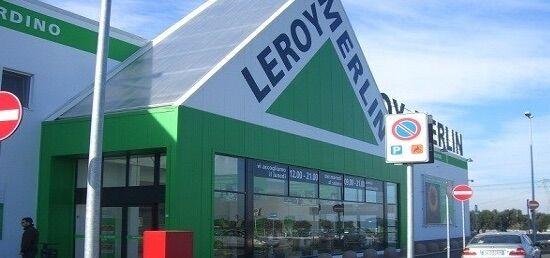 Rubano materiale da Leroy Merlin e tentano la fuga, arrestati padre e figlia