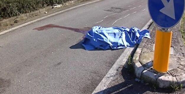 Tragedia ad Aversa, ciclista investito da un drogato muore in ospedale