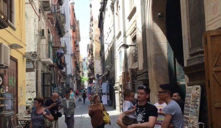 """Napoli senza mare, quando """"spaccanapoli"""" diventò il centro della città"""