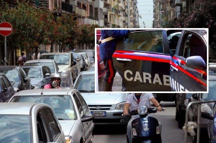 Follia a Napoli, colpi di pistola per una lite nel traffico: arrestati 2 fratelli