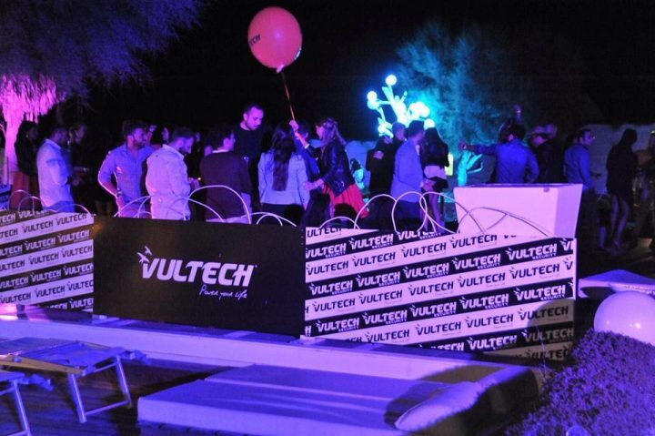 Vultech, spumante e musica per il summer party all'Ammot