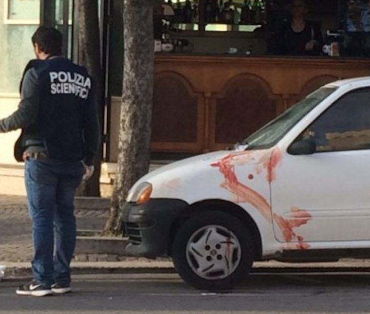 Giovane accoltellato per una lite di viabilità, arrestato un 24enne