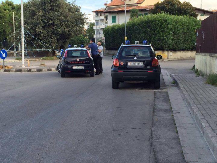 Terrore a Giugliano, sparatoria in via Scarfoglio. Trovati 4 bossoli