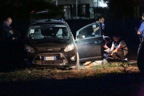 Omicidio a Ponticelli: uomo ritrovato morto in auto