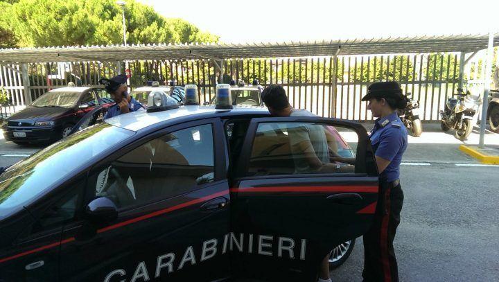 Rapinatori napoletani in trasferta: colpo nel parcheggio Ikea in provincia di Firenze