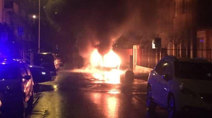 Autobomba all'esterno della Vodafone Arena