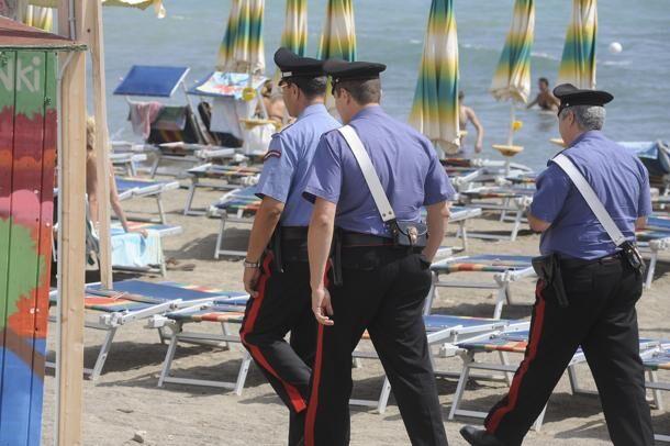 Pedofilo napoletano si masturba su nota spiaggia davanti ai bambini: arrestato