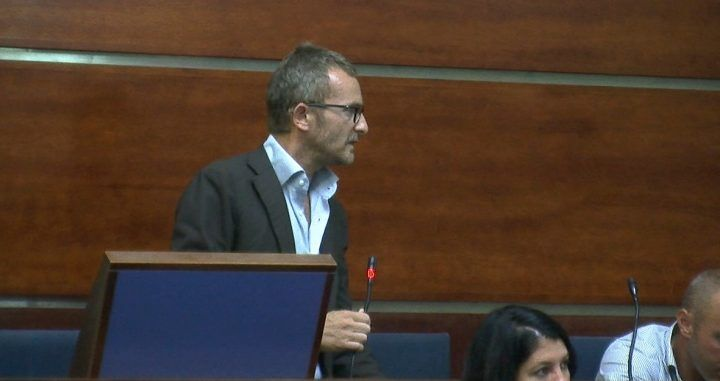 Giugliano, entra in consiglio comunale Diego D'Alterio