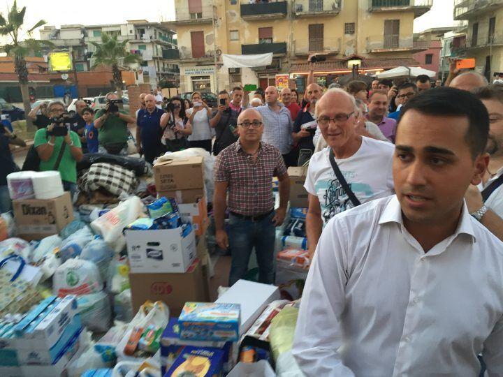 """Di Maio a Licola: """"È il momento del lutto ma vigileremo sui fondi per il terremoto"""""""