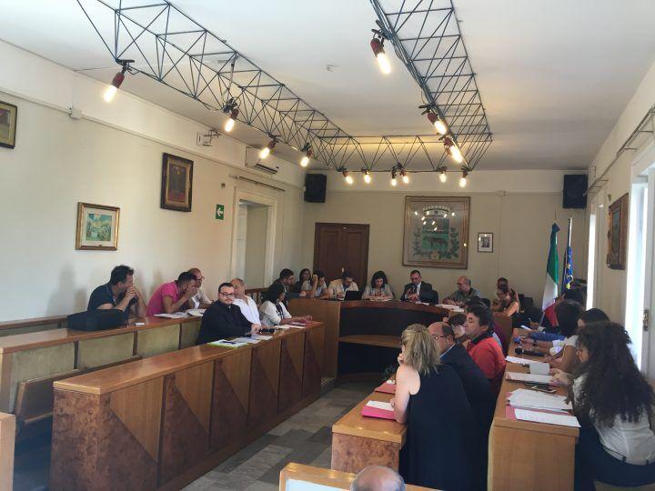 Villaricca, approvati in consiglio bilancio e aliquote tributi