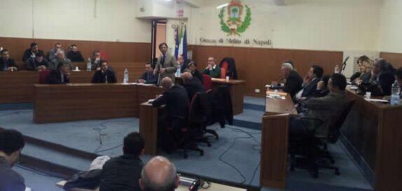 """Melito, l'opposizione: """"La città ha preso atto del fallimento, lo faccia anche il sindaco e si dimetta"""""""