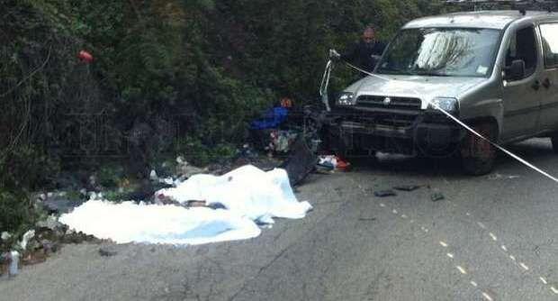Sangue sull'asfalto, intera famiglia sterminata. Muoiono in tre