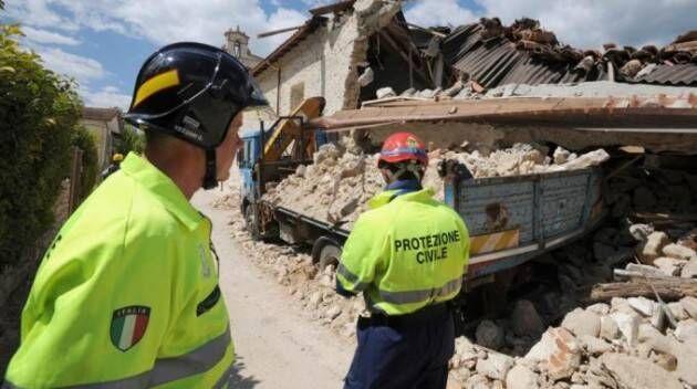 Sisma nel centro Italia, la Protezione civile Calabria invia colonna mobile