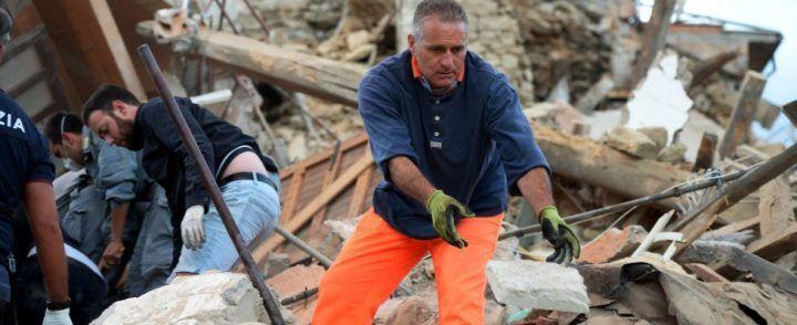 Macchina dei soccorsi per il terremoto, in campo anche la città di Giugliano
