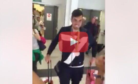 Olimpiadi, Vicino torna a casa: la commovente accoglienza in aeroporto. Video