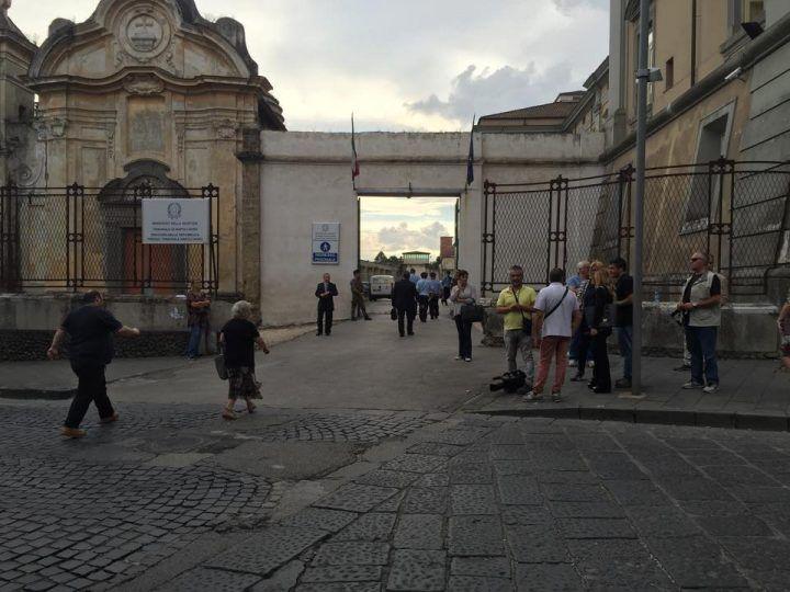 Fortuna: c'è attesa per l'arrivo di Raimondo Caputo al tribunale di Aversa