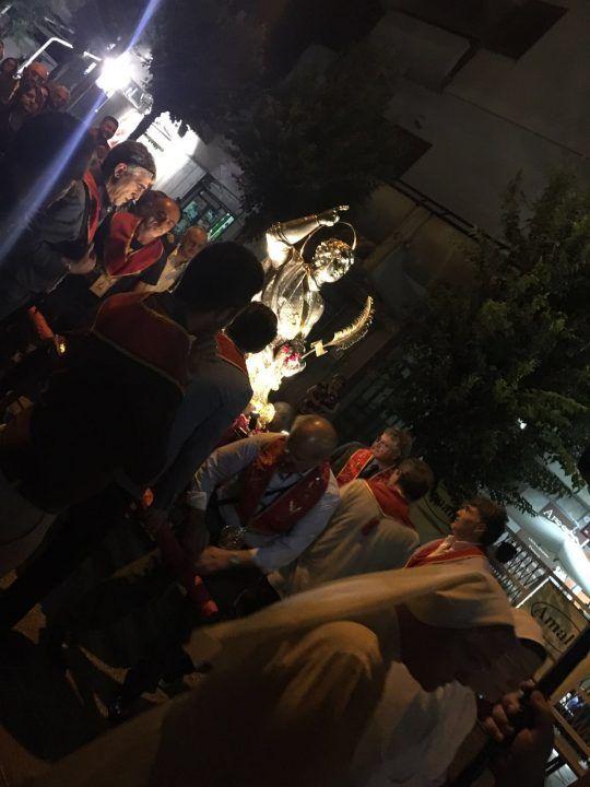 Folla di fedeli in onore di San Giuliano martire