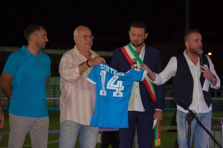 Terremoto, evento al Vallefuoco di Mugnano: la maglia di Mertens  per raccogliere altri fondi
