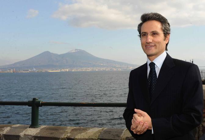"""Caldoro choc: """"Discariche di Napoli a Giugliano e ad Avellino"""""""