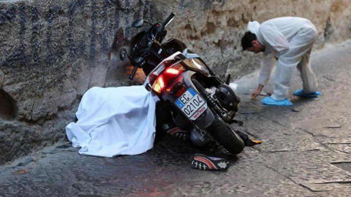 Camorra, strage a nord di Napoli. Due morti