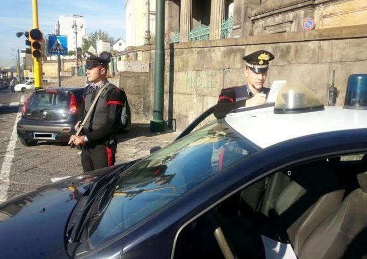 Napoli, allarme bomba. Panico tra i passanti