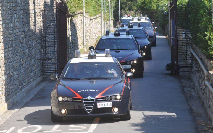 Munizioni, droga e contrabbando: ampia operazione tra area nord e centro storico