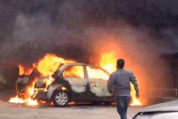 Terribile impatto sull'Asse Mediano, auto si schianta e prende fuoco