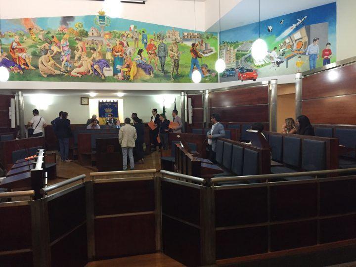 Giugliano, la minoranza abbandona l'aula: seduta sciolta