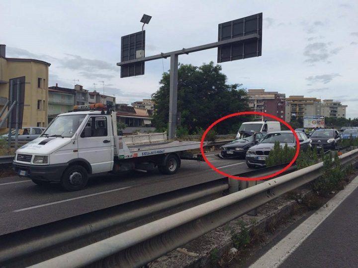 Incidente sull'Asse Mediano, traffico bloccato direzione Napoli