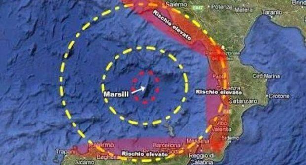 """Scosse di terremoto, è incubo eruzione. """"Rischio tsunami su Campania, Calabria e Sicilia"""""""