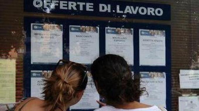 Soldi per chi non ha un lavoro. Assegni da mille a 5mila euro