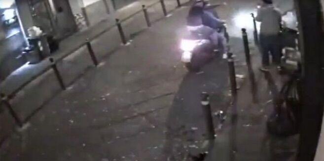 Napoli violenta, 24enne picchiato in centro da quattro persone
