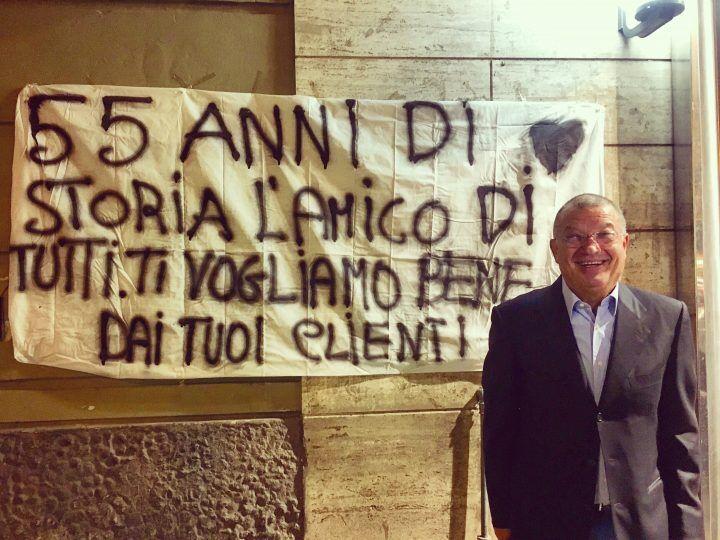 """Don Ciccio va in pensione, i clienti: """"Ci mancherà non solo per il suo caffè"""""""