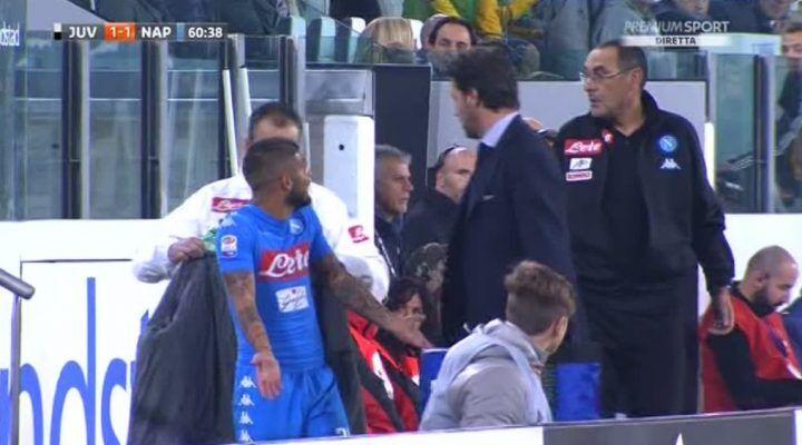 Insigne esce infuriato dal campo: duro battibecco con Sarri in panchina. VIDEO