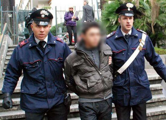 Sparano ai Carabinieri nel centro commerciale, arrestati 2 rom di Giugliano e Qualiano