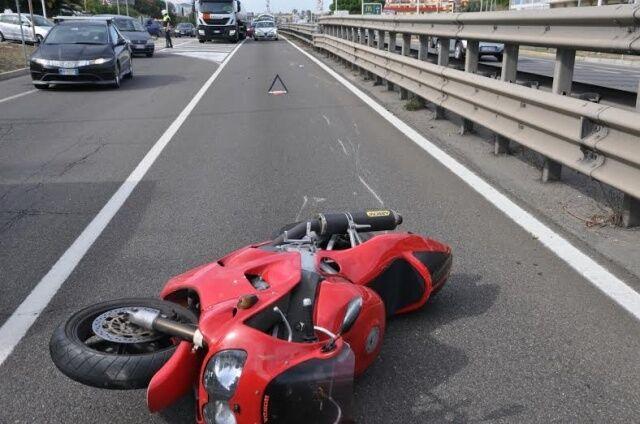 Asse Mediano, scontro auto con moto. Grave un centauro