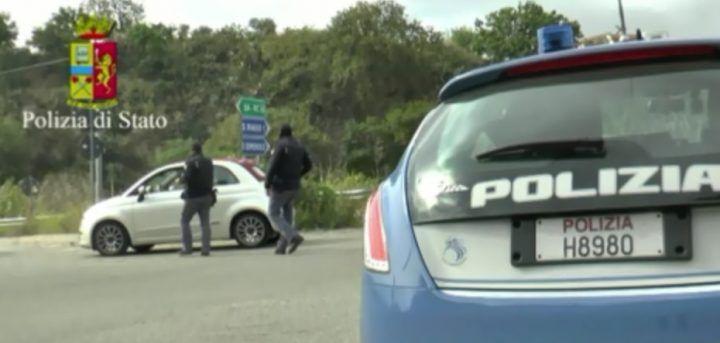 Blitz della Polizia in aziende dell'area nord, denunciati 3 imprenditori. Ecco cosa facevano