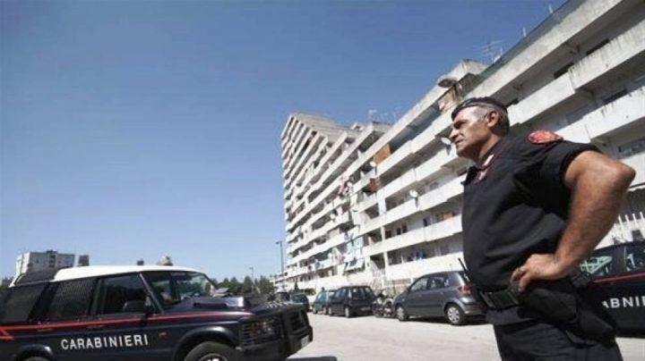 Non si ferma all'alt e si dà alla fuga per le strade di Scampia, arrestato 37enne. IL NOME