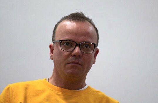 Ancora guai per Gigi D'Alessio, un'altra accusa lo riporta in tribunale