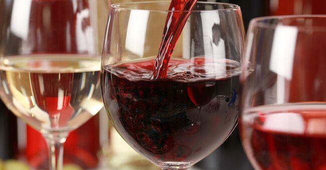 Sant'Antimo, vino fuorilegge: sequestrati 1600 litri di rosso e bianco