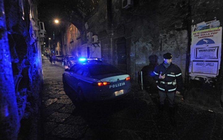 Napoli: affiliato clan Mazzarella ferito in agguato, condizioni restano gravi