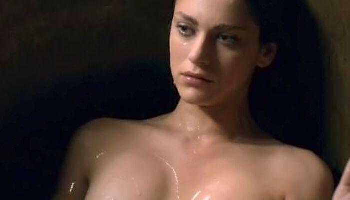 Medici, Miriam Leone è già una star nella fiction Rai