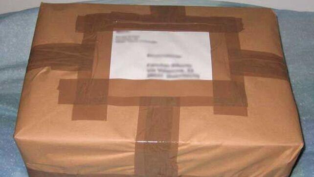 La truffa del pacco falso arriva in provincia, vittima una donna