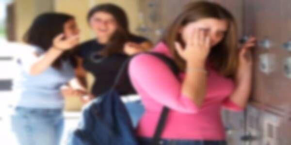 Prof condannato: sorpreso in classe con alunna 14enne. Ecco cosa facevano