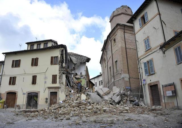 terremoto oggi, ora nuova forte scossa in Centro Italia