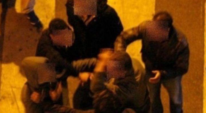 Apprezzamenti ad una ragazza, scoppia la maxi rissa con bottiglie nel napoletano: 4 arresti