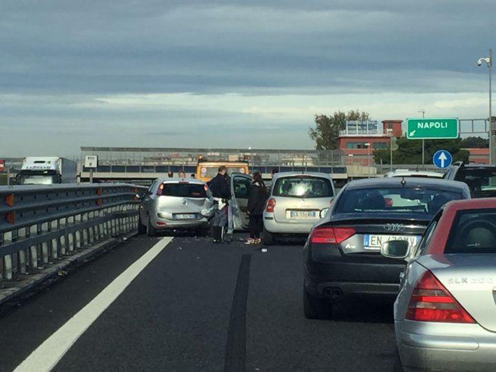 Brutto incidente in autostrada, traffico in tilt