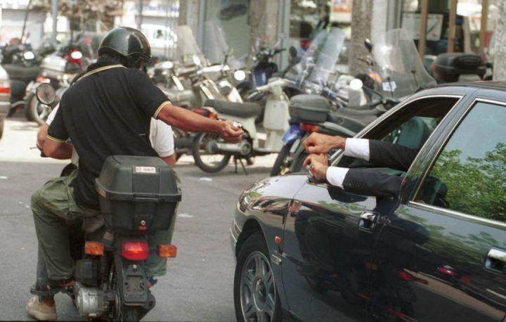 Giugliano, rapinatori scatenati seminano il panico su via Labriola