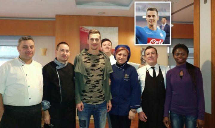 Milik a Giugliano, il campione del Napoli in un noto ristorante della città